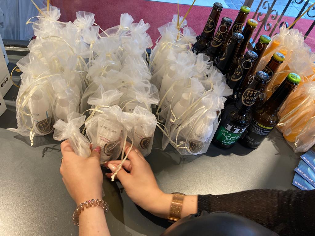 Gutscheine und Geschenke im Haarcenter Hess zum 111 Jubiläum